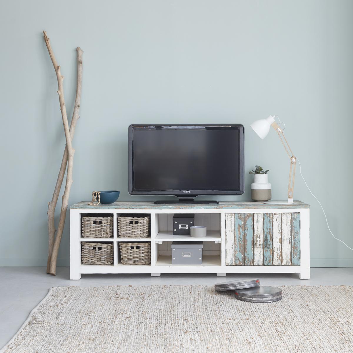 Quelle Hauteur Meuble Tv meuble tv en bois de pin recyclé 180 atlantic   bois dessus