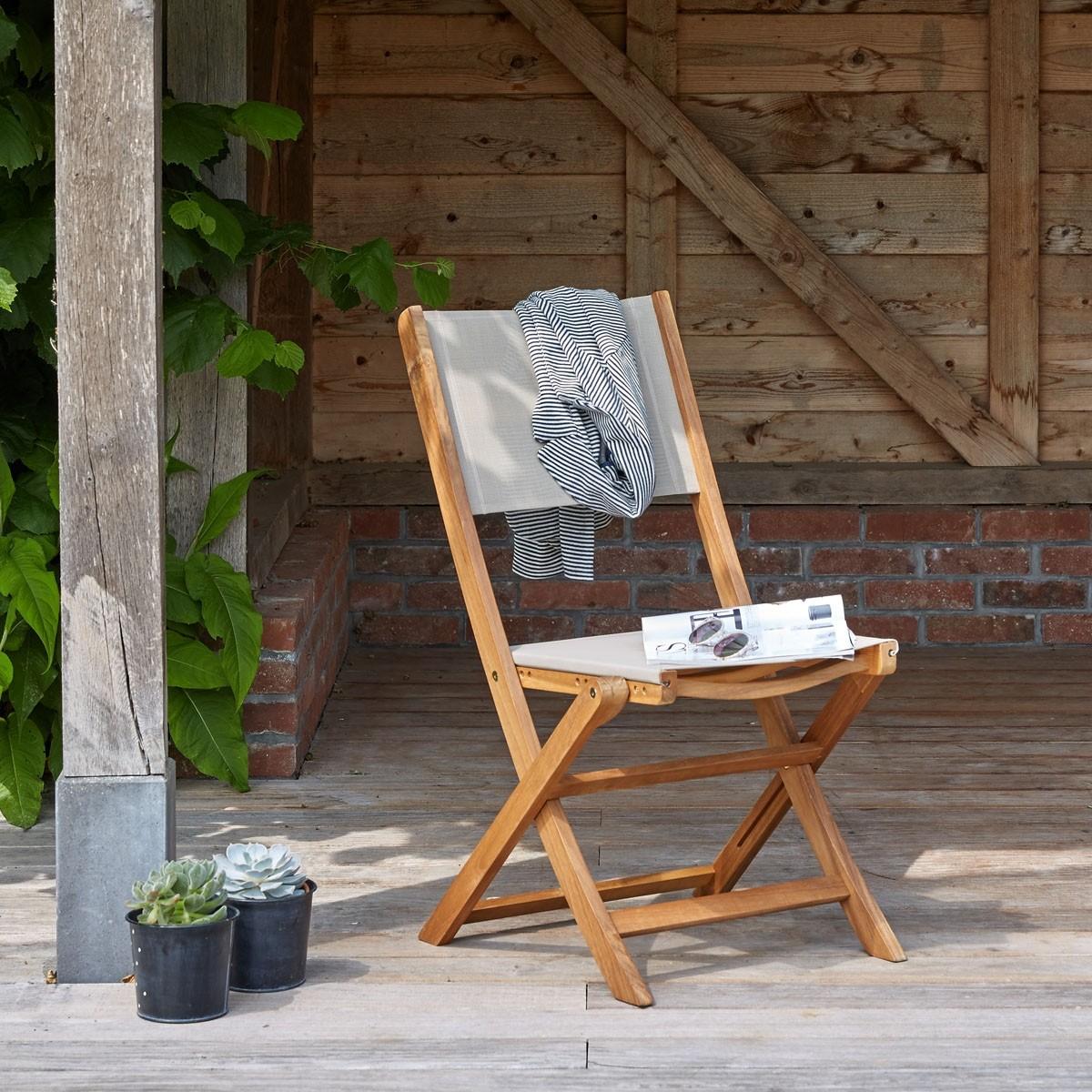 chaise en bois d 39 acacia et textil ne bois dessus bois dessous. Black Bedroom Furniture Sets. Home Design Ideas