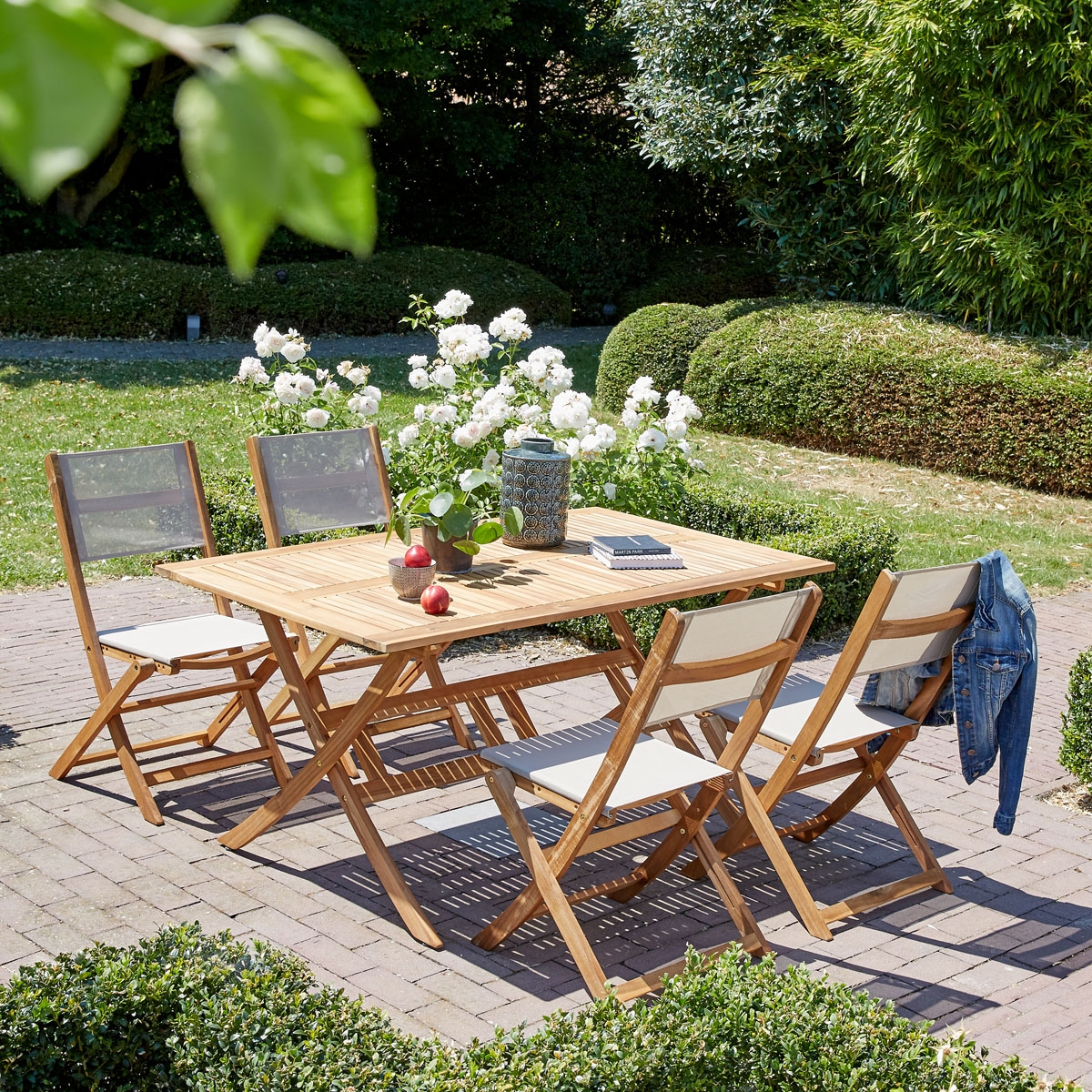 Salon de jardin en bois d\'acacia FSC gris 4 places HANOÏ   Bois ...
