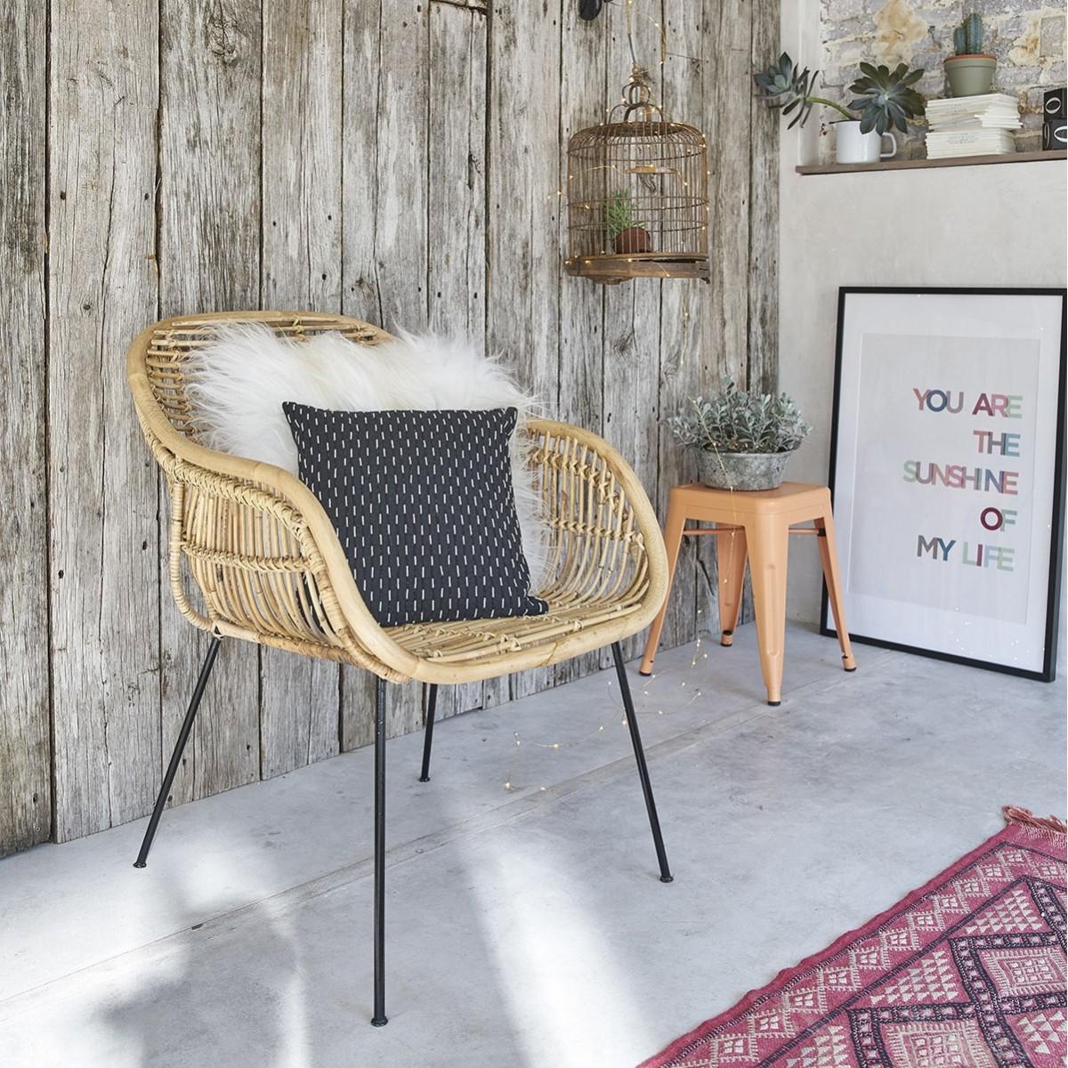 Chaise en rotin et m tal bois dessus bois dessous for Chaise en rotin et metal