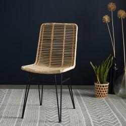 Chaise en rotin et pieds métal