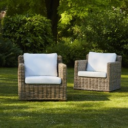 Lot de 2 fauteuils en kubu naturel