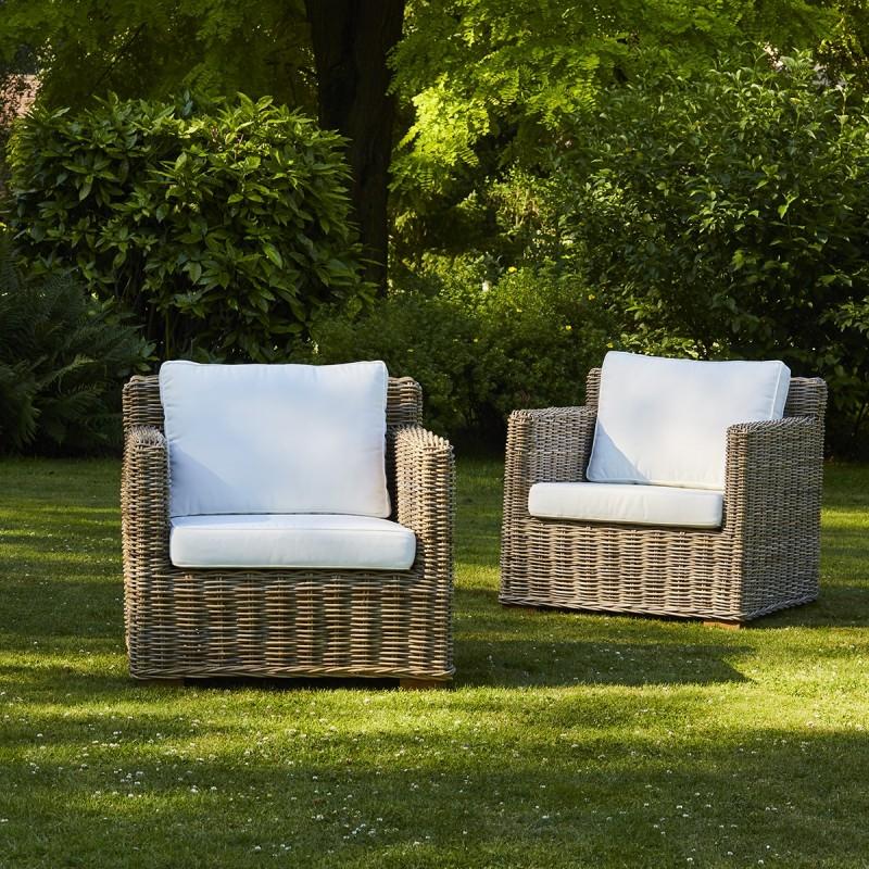 Lot de 2 fauteuils en kubu naturel