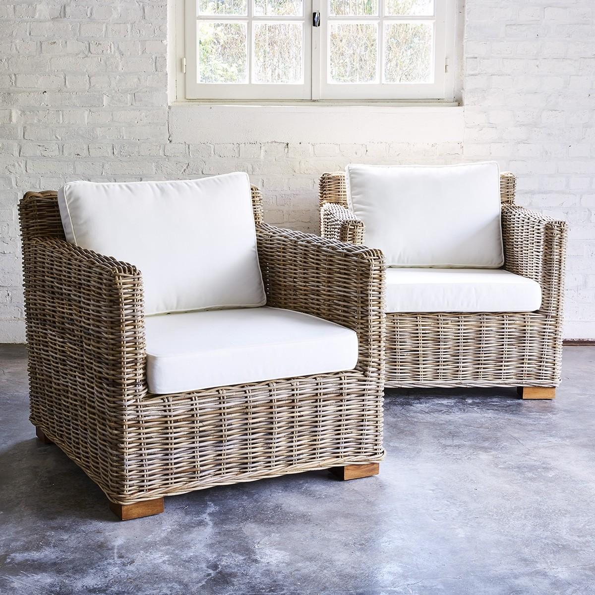 lot de 2 fauteuils en kubu naturel bois dessus bois dessous. Black Bedroom Furniture Sets. Home Design Ideas