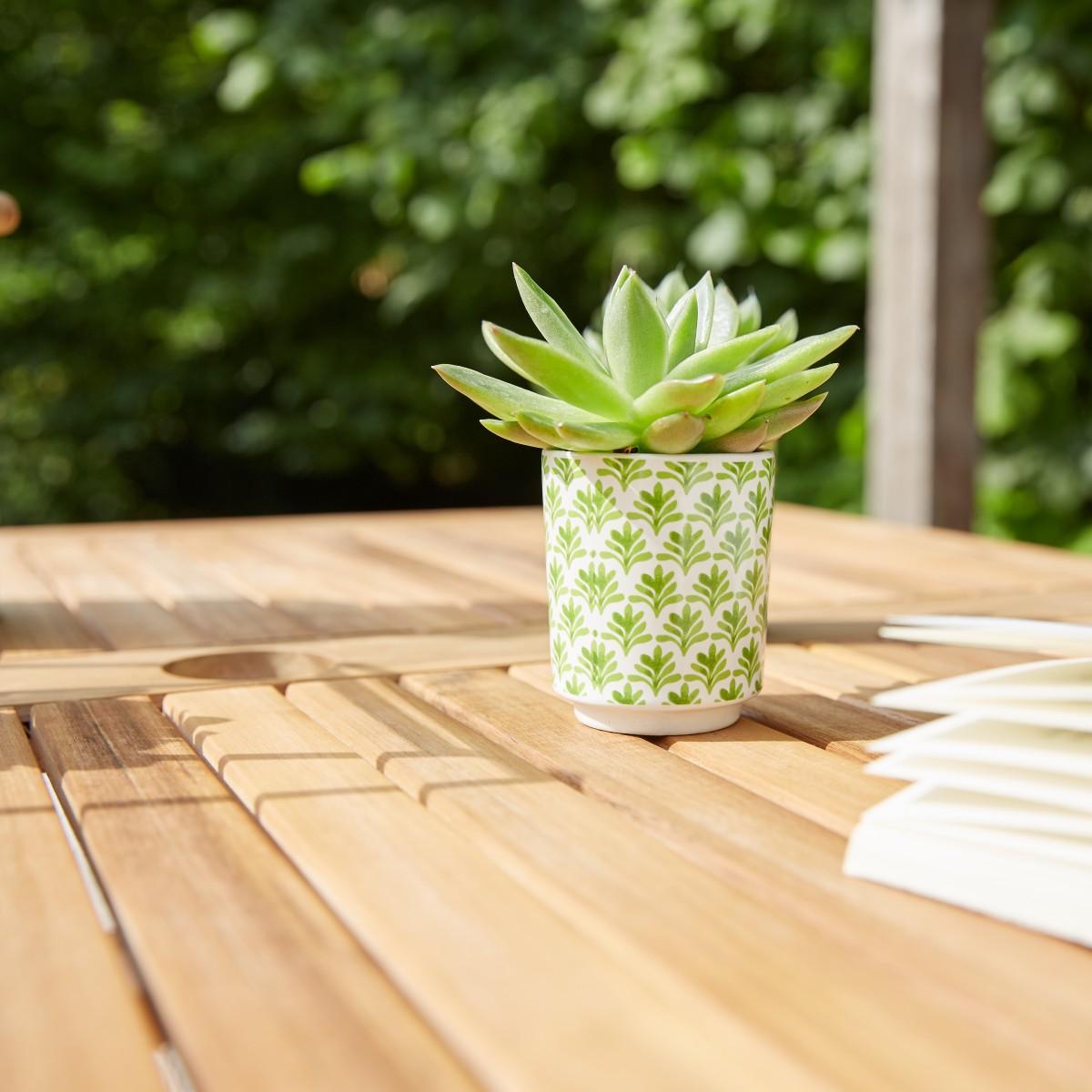 salon de jardin carr en bois d 39 acacia fsc gris 4 places. Black Bedroom Furniture Sets. Home Design Ideas