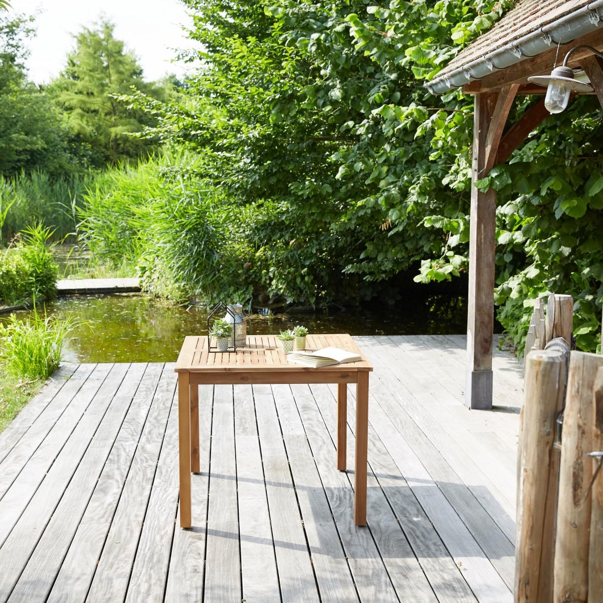 salon de jardin carr en bois d 39 acacia fsc noir 4 places. Black Bedroom Furniture Sets. Home Design Ideas